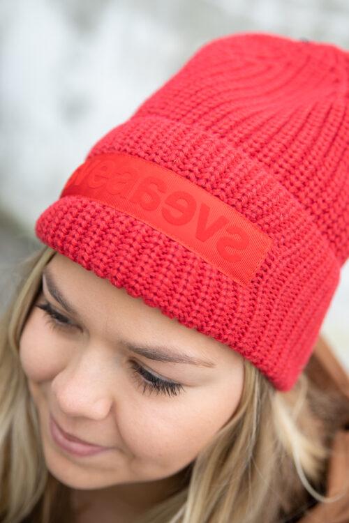 Svea Big Badge Svea Hat Red 3Tshop.no