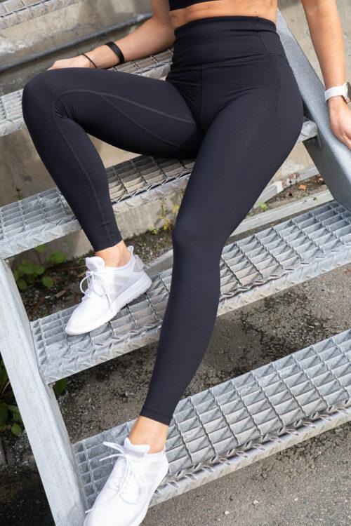 UA Meridian Leggings